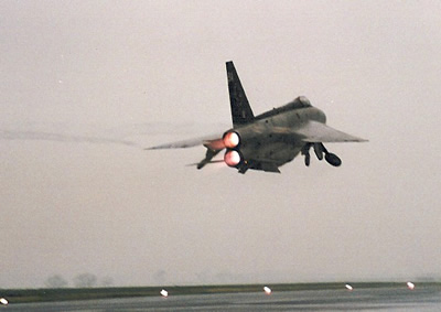 Lightning XS903 'BA' on take off